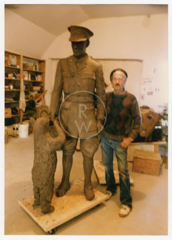 William Epp with his sculpture of Harry Colebourn and Winnie
